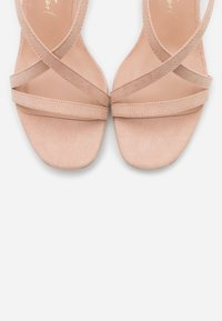 New Look Wide Fit - WIDE FIT RULIE MULTI STRAP BLOCK HEEL  - Sandalias - oatmeal - 5