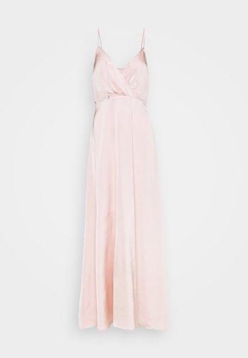 V-NECK FLOWY DRESS