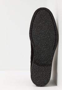 Royal RepubliQ - CAST CHELSEA - Classic ankle boots - black - 4