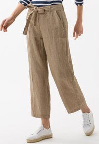 BRAX - STYLE MAINE - Trousers - toffee - 0