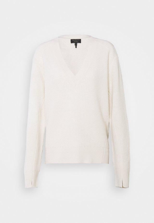 PIERCE V NECK LABEL - Pullover - ivry