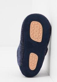 Bisgaard - BABY HOME SHOE - Domácí obuv - blue - 5