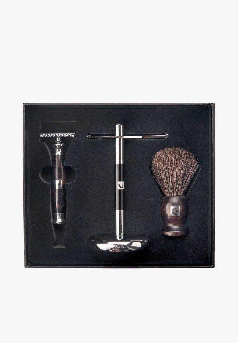 Barberians - SHAVING SET - Shaving set - -