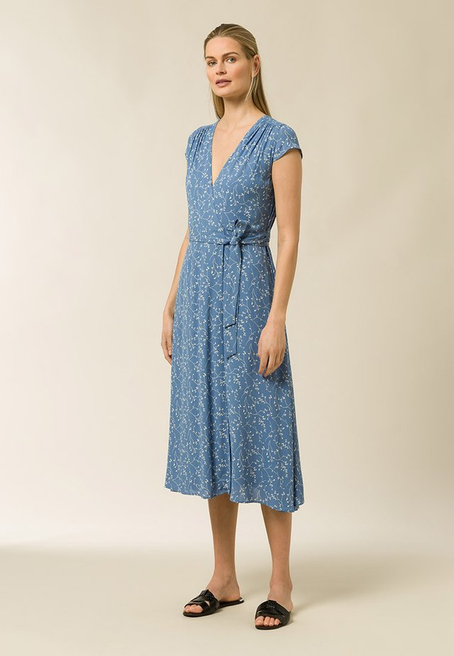 WRAP DRESS MIDI LENGTH - Day dress - aop - leaf sea blue