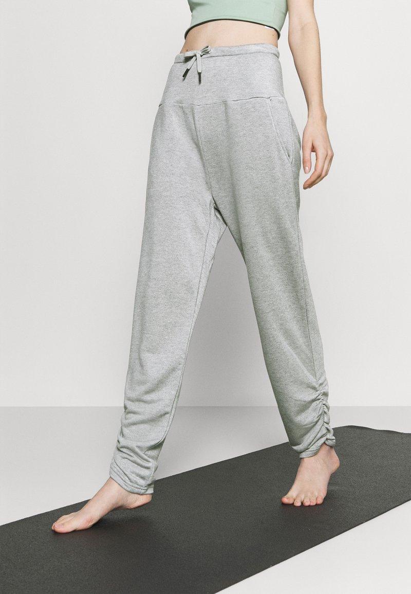 Even&Odd active - Tracksuit bottoms - light grey