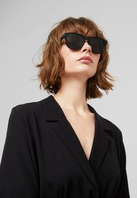 Gucci - Sunglasses - black - 3
