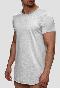 INDICODE JEANS - WILBUR - Print T-shirt - light grey - 1