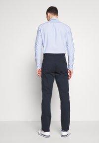 Wrangler - TEXAS - Jeans straight leg - navy - 2