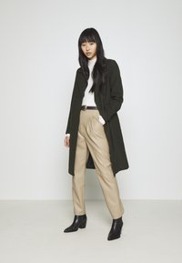 ONLY - ONLLOUIE LIFE COAT - Classic coat - rosin - 1