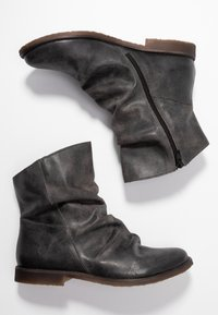 Felmini Wide Fit - CLASH - Classic ankle boots - zenia fango
