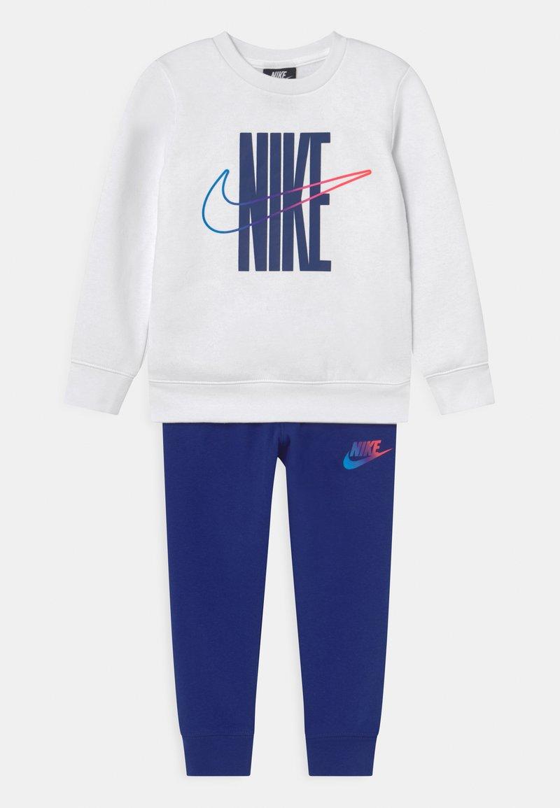 Nike Sportswear - RISE TAPING CREW SET - Tracksuit - deep royal blue