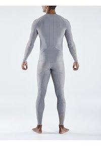 Skins - Sports shirt - mid grey - 2
