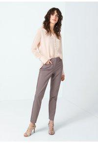 comma - Button-down blouse - salmon - 1