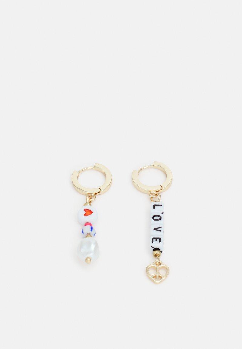 LIARS & LOVERS - MIXED BEAD LOVE HOOP DROP EARRINGS - Earrings - gold-coloured