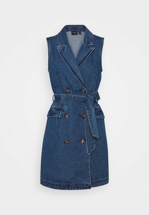 VMTAILOR DRESS - Jeansklänning - medium blue denim