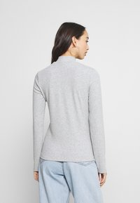 Tommy Jeans - MOCK NECK LONGSLEEVE - Long sleeved top - silver grey heather - 2