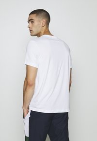Lacoste Sport - BIG LOGO - T-shirt imprimé - white/black - 2