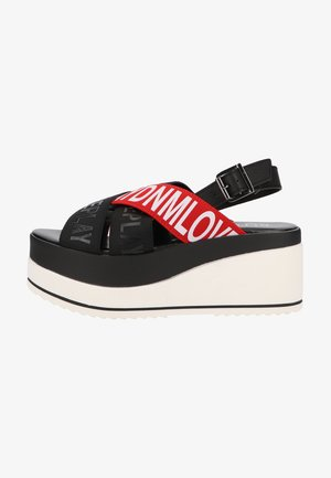 Sandały na platformie - red black
