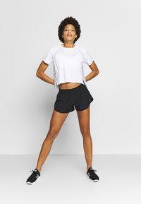 New Balance - ACCELERATE SHORT - Pantalón corto de deporte - black - 1