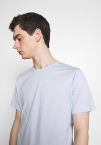 Theory - PRECISE TEE LUXE  - T-shirt basic - olympic - 4
