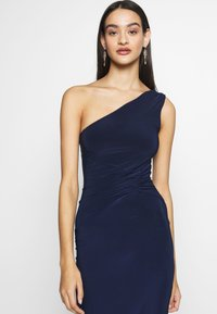 Club L London - ONE SHOULDER RUCHED WAIST MAXI DRESS - Vestido de fiesta - navy - 4