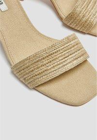PULL&BEAR - High heeled sandals - light brown - 3