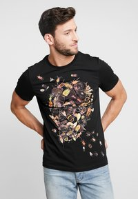 Pier One - TEE SKULL INSECTS - Print T-shirt - black - 0