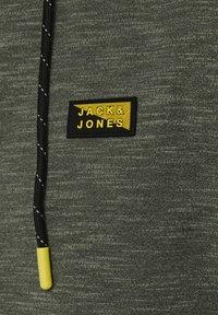 Jack & Jones - Felpa con zip - oil green - 6