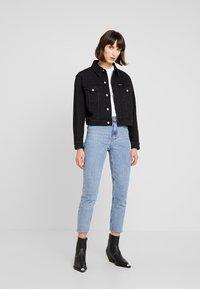 Calvin Klein Jeans - CROPPED FOUNDATION TRUCKER - Chaqueta vaquera - copenhagen black - 2