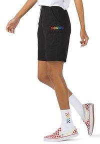 Vans - WM PRIDE CARGO SHORT - Shorts - black - 2