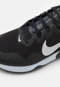 Nike Performance - WILDHORSE 7 - Trail hardloopschoenen - black/pure platinum/anthracite - 5