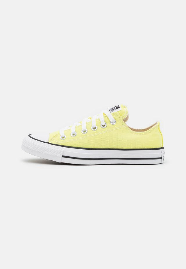 CHUCK TAYLOR ALL STAR SEASONAL COLOR UNISEX - Sneakers - zitron