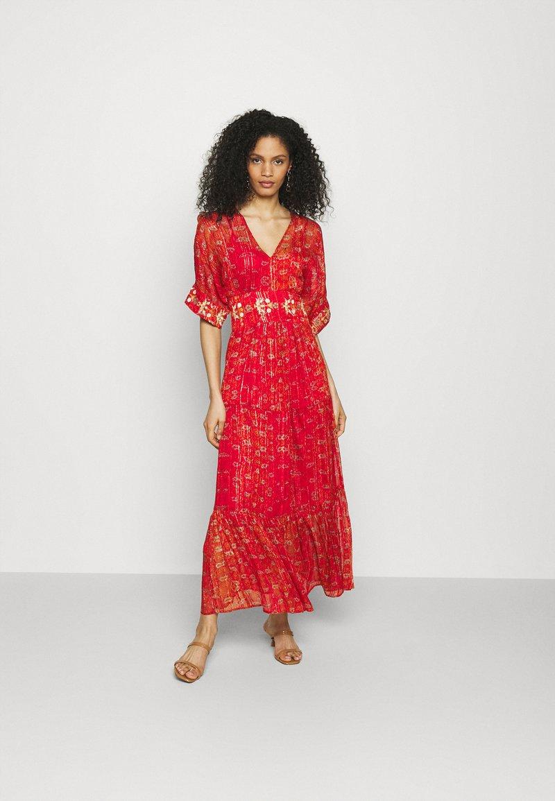 Desigual - PORTLAND - Robe longue - red