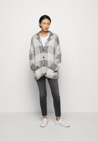 CLOSED - JACKET - Klasický kabát - heather grey melange - 1
