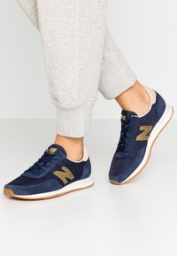 New Balance - WL720 - Zapatillas - navy - 0