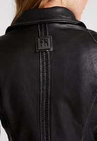 Freaky Nation - BLIND TRUST - Leather jacket - black - 6