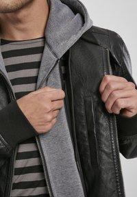 Urban Classics - MÄNNER - Faux leather jacket - black/grey - 4