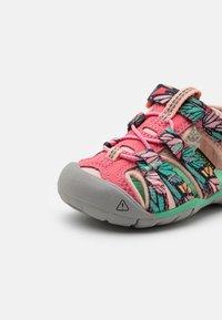 Keen - SEACAMP II CNX UNISEX - Walking sandals - tea rose/peach pearl - 5