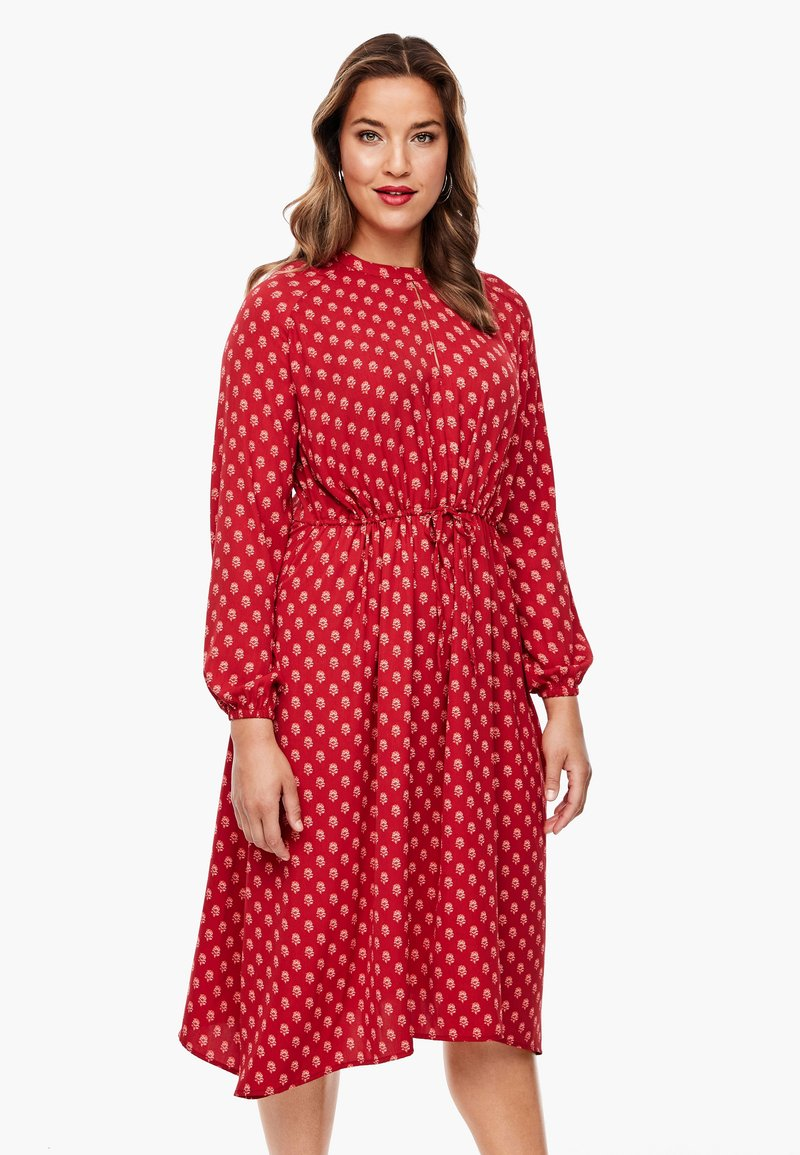 Triangle - MIT ORNAMENTALEM MUSTER - Day dress - red aop