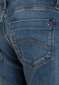 Tommy Hilfiger - BOYS SCANTON  - Jeans Slim Fit - light blue - 2