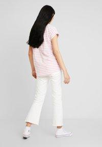 Vila - VIDREAMERS PURE  - Print T-shirt - begonia pink/snow white - 2