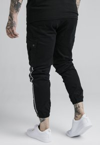 SIKSILK - FITTED TAPED CUFF CARGO - Pantaloni cargo - black - 2