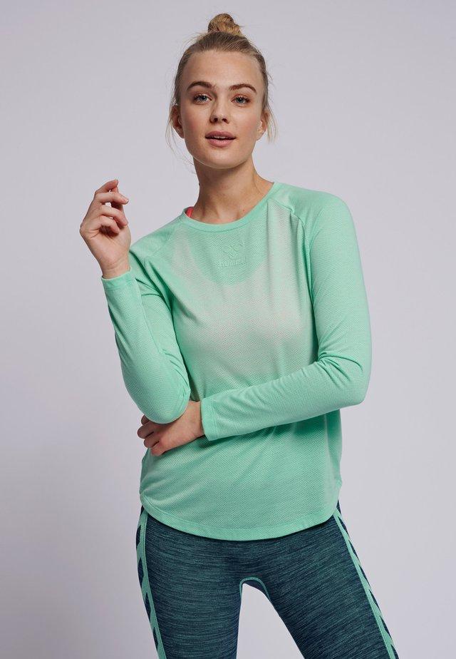 VANJA  - Langærmede T-shirts - ice green