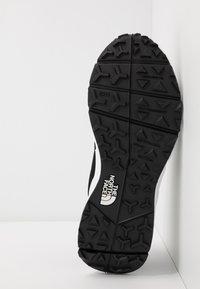 The North Face - SPREVA SPACE - Sneakers - black/white - 4