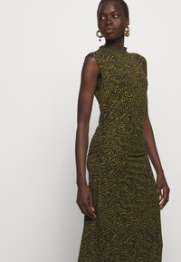 Proenza Schouler White Label - ABSTRACT SWIRL SHEER STRETCH DRESS - Robe longue - military/black - 3