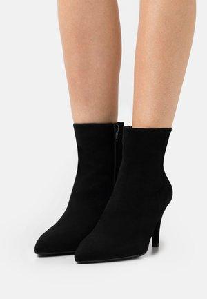 TABEBU - Kotníková obuv - black