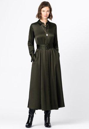 AUS SATIN - Shirt dress - oliv