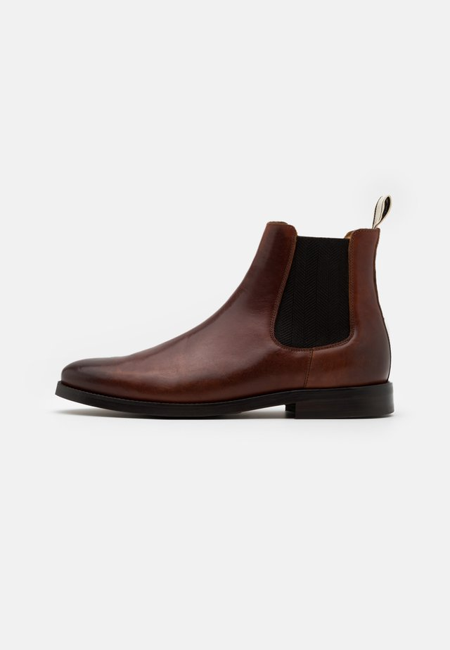 SHARPVILLE - Bottines - cognac