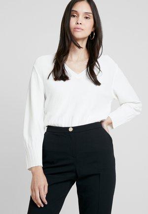 LORNINI - Jumper - white