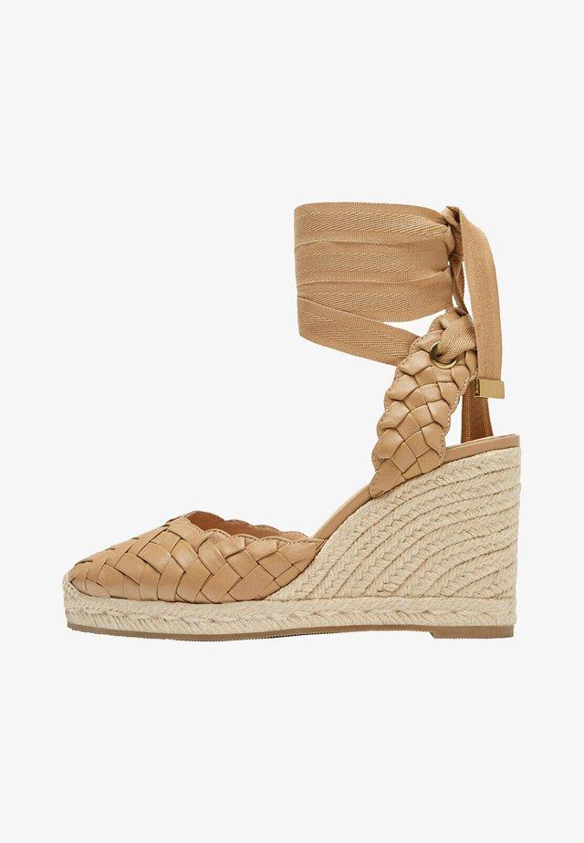 Sandalen met sleehak - light brown